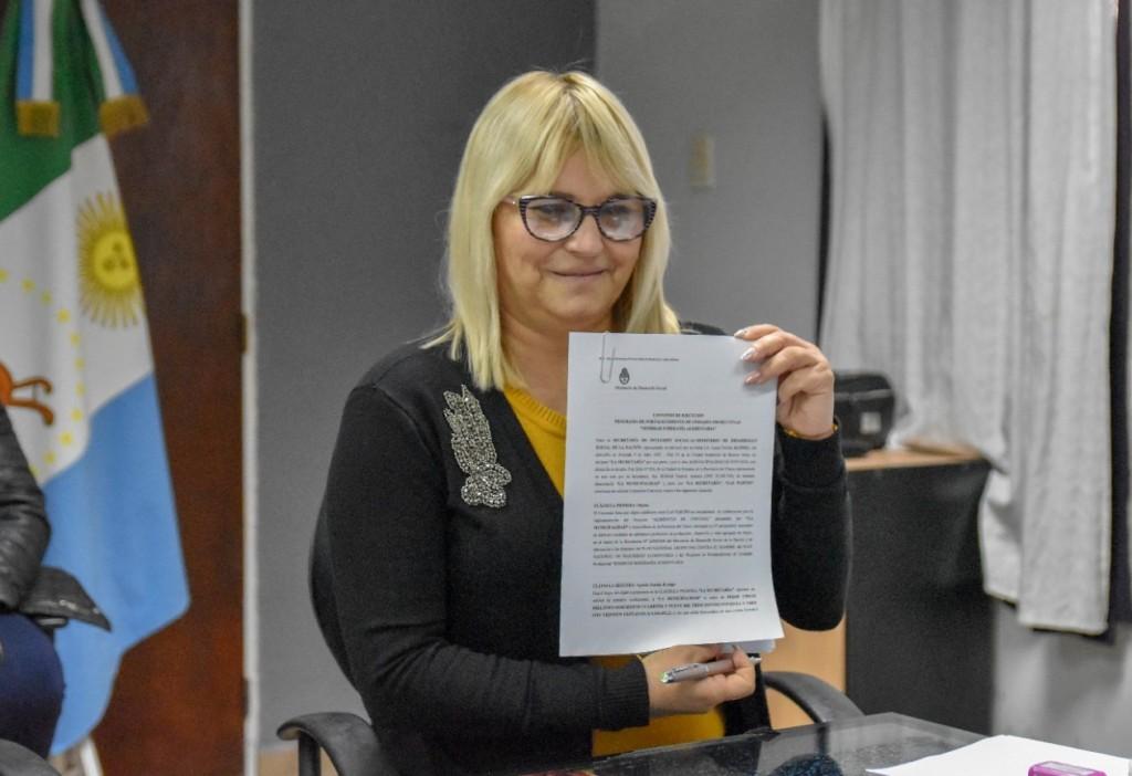 Fontana y Nación: Convenio para fortalecer 13 unidades productivas