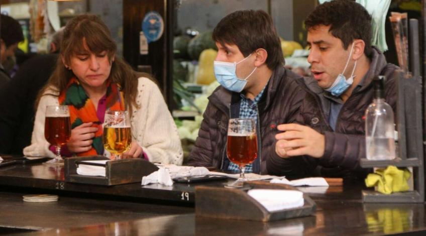 Mendoza: Cerveza y vino gratis para vacunados