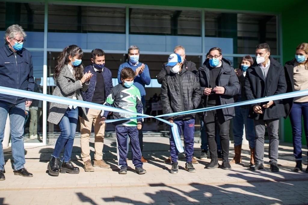 Se inauguró el microestadio en J. J. Castelli