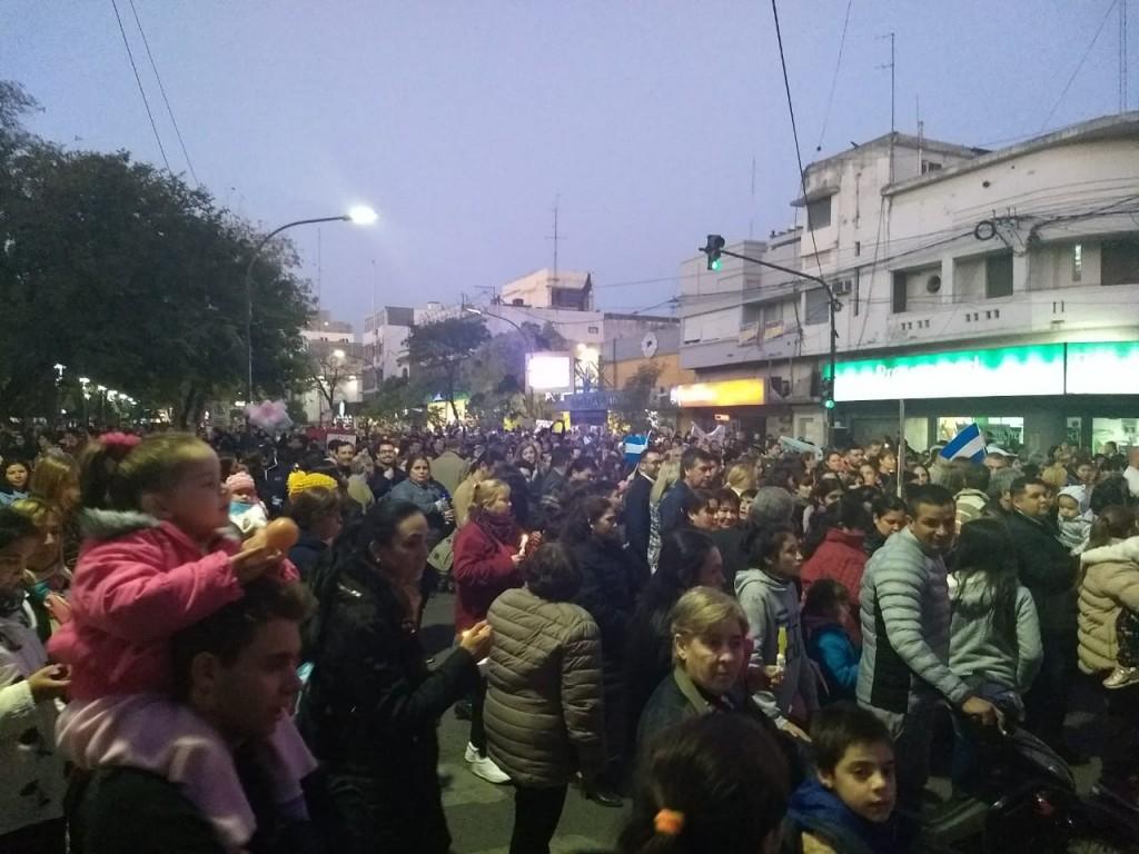 Multitudinaria marcha de las escuelas de gestión privada en Resistencia.