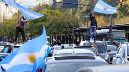 Banderazo y masiva marcha contra la reforma judicial en todo el país.
