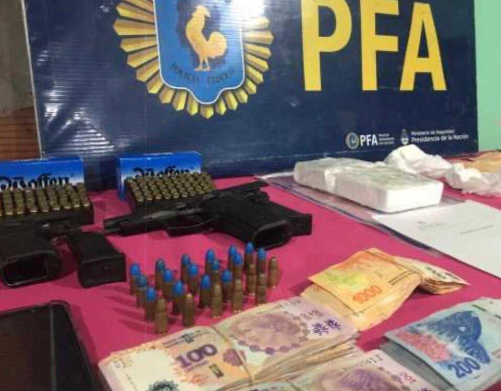 Narcotráfico: dos mujeres y un hombre detenidos con un kilo de cocaína en Resistencia.