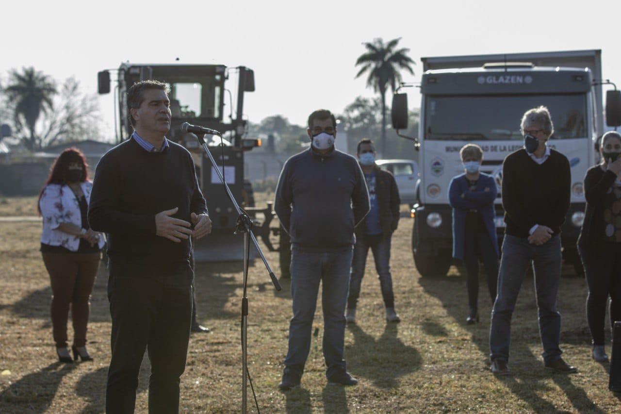 El Gobernador Capitanich entregó equipamiento a municipios adquiridos a través de la línea 613 del Nuevo Banco del Chaco.