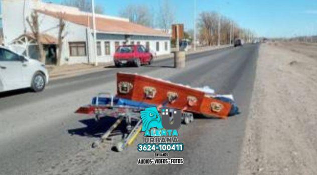 Neuquén: un coche fúnebre perdió el ataúd