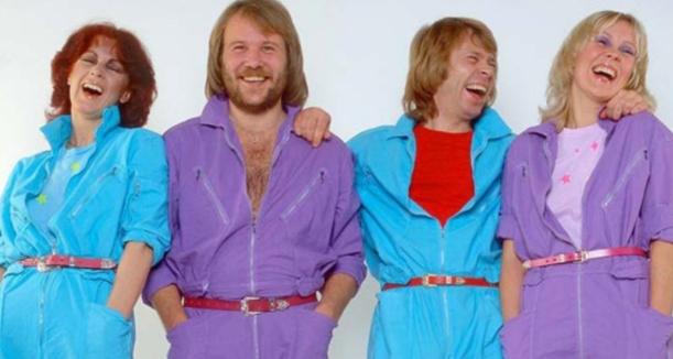 A casi cuarenta años lejos del los escenarios, ABBA anunció su regreso