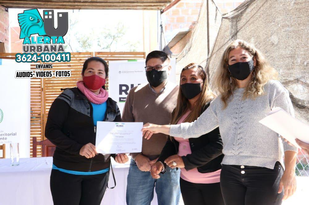 La Secretaria Marta Soneira hizo entrega de RUBH en el Barrio Bettina Vázquez