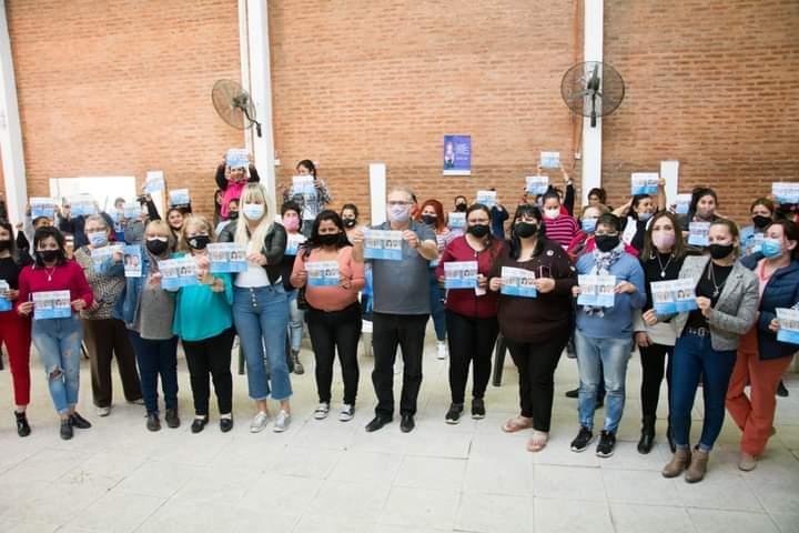 Rodas y Spoljaric junto a mujeres militantes en Sáenz Peña