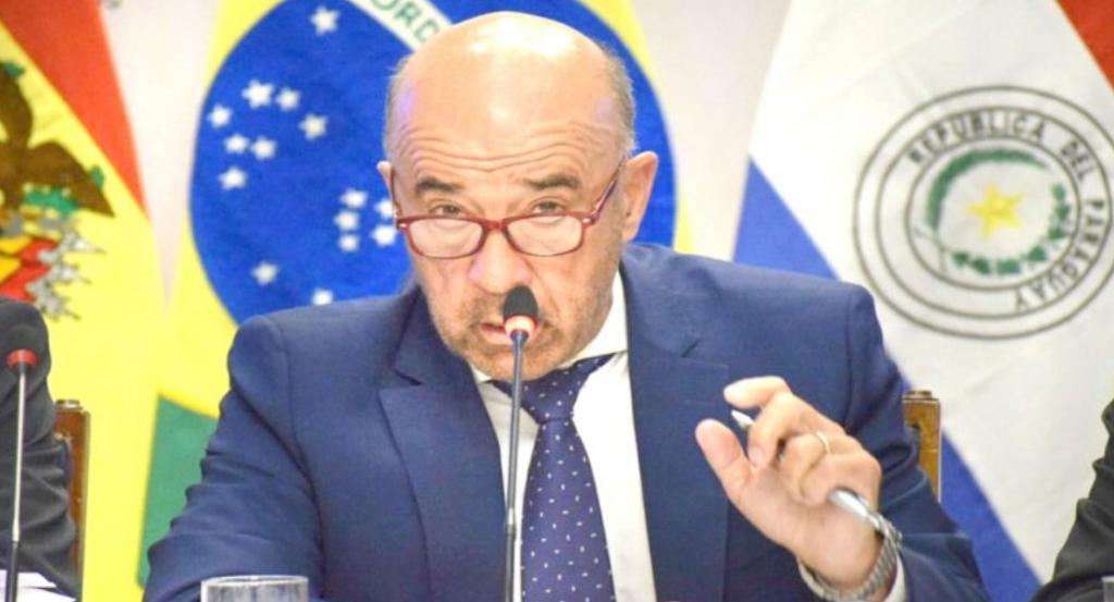 """""""Si Chile manda buques de pesca a la zona, Argentina debería pasar a la acción"""