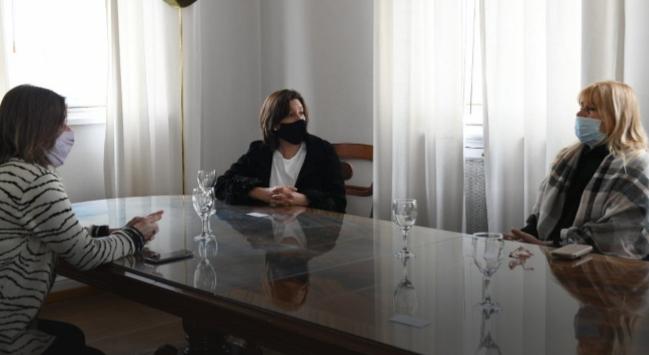 La Gobernadora, de Río Negro, se reunió con autoridades nacionales por la situación de Villa Mascardi