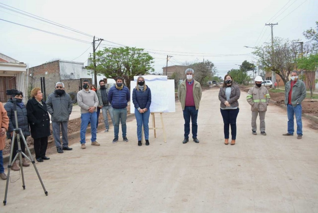 Pavimento urbano: última etapa de otras cinco nuevas cuadras en Charata