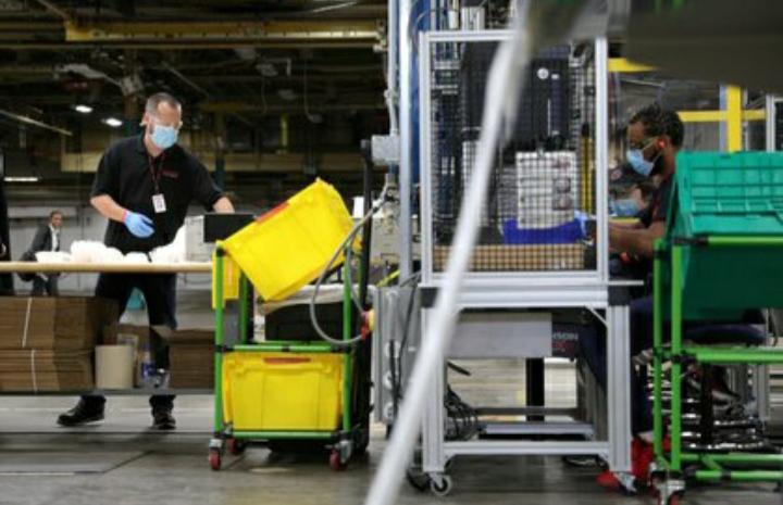 Estados Unidos sumó 1.400.000 puestos de trabajo en agosto y el desempleo cayó al 8.4%