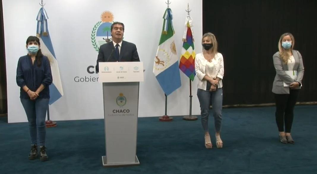 El gobernador Capitanich anunció el retorno del pago de la cláusula gatillo, aumento del 7,8% y un suplemento.