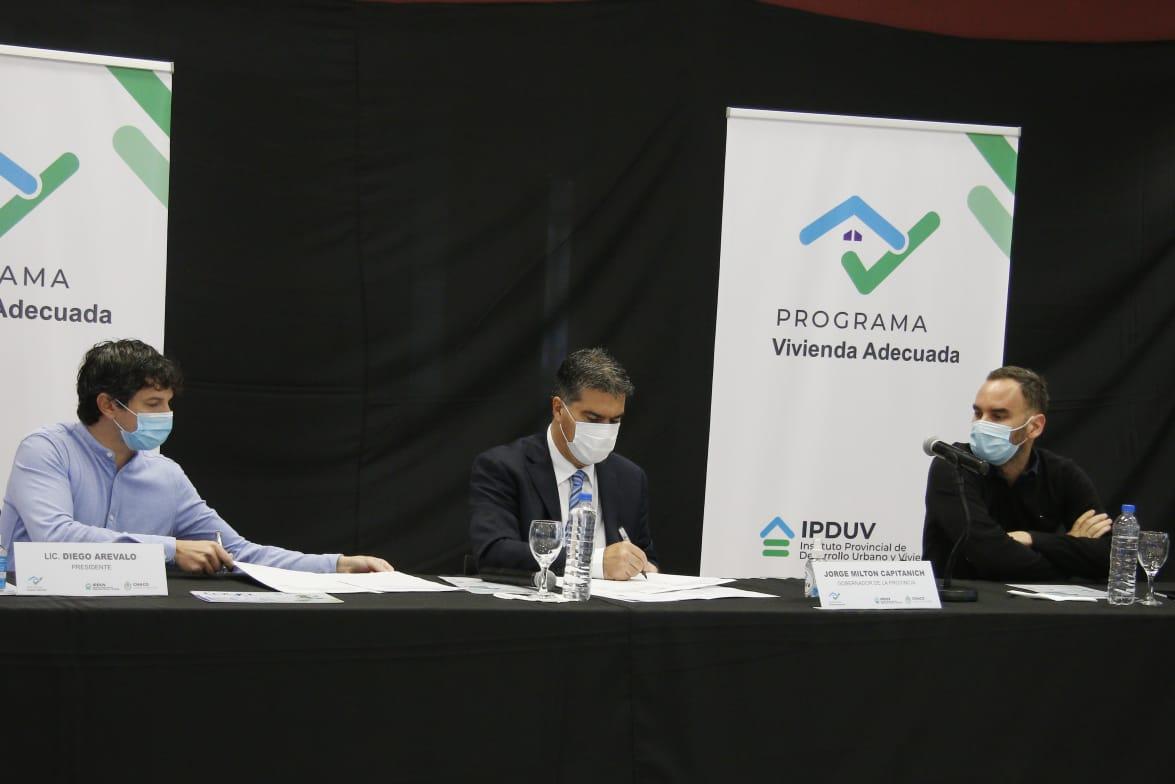 El gobernador Capitanich presentó un nuevo programa de créditos para refaccionar viviendas y motorizar el comercio local.