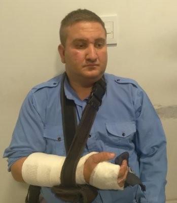 Policías resultaron lesionados al evitar la fuga de un detenido