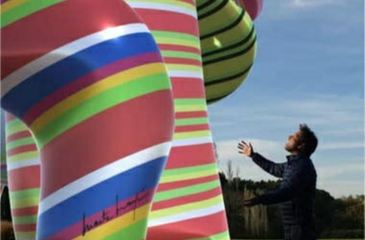 Marta Minujín instala obras virtuales en la nube para entrar en