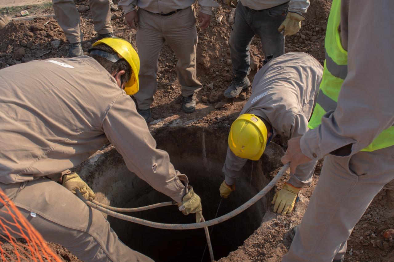 Sameep avanza en la desobstrucción y limpieza de la red cloacal del Barrio Gran Toba