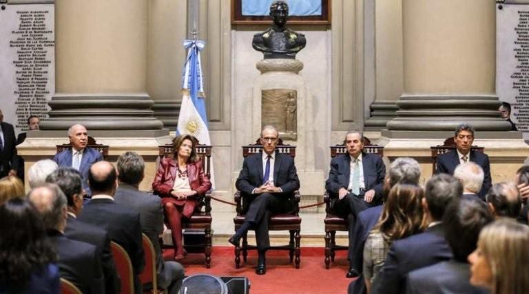 Más de 240 mil personas firmaron para que la Corte impida los desplazamientos de los jueces que investigaron a Cristina Kirchner