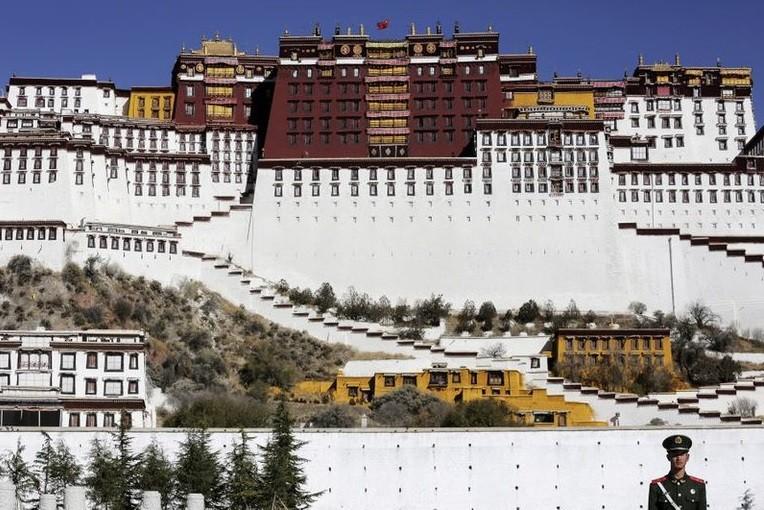 El régimen chino expande sus campos de concentración para