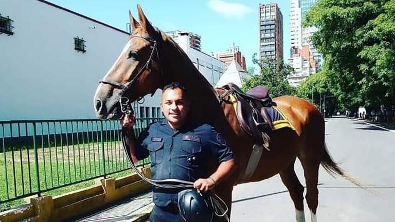 El Gobierno decretó duelo nacional por el asesinato del efectivo de la Policía Federal y Alberto Fernández envió un mensaje a la familia