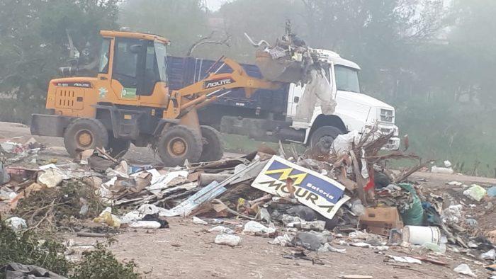 Resistencia: la Municipalidad continúa realizando operativos de erradicación de minibasurales y solicita el compromiso de los vecinos.