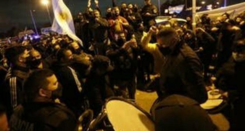 Berni rechazó la renuncia del jefe policial y crece la tensión en la protesta