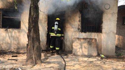 Pampa del Infierno: un niño falleció luego de sufrir lesiones en un incendio.