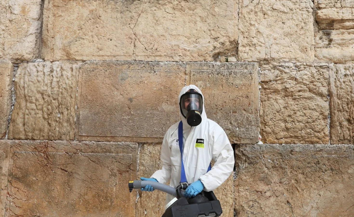Israel vuelve a una cuarentena estricta por tres semanas para frenar rebrotes de coronavirus.