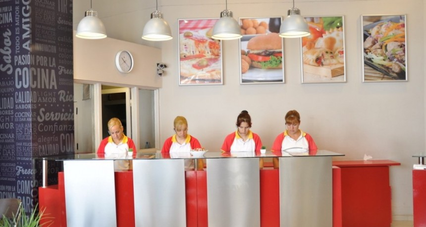 """La promoción de """"Jueves con Tuya"""" llegó en buen momento para apoyar a los emprendedores del rubro gastronómico."""