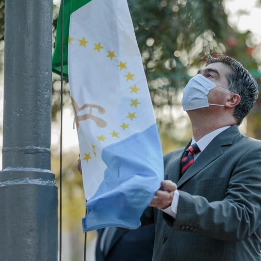 Capitanich destacó la representatividad de la identidad chaqueña en el 13° aniversario de la bandera provincial