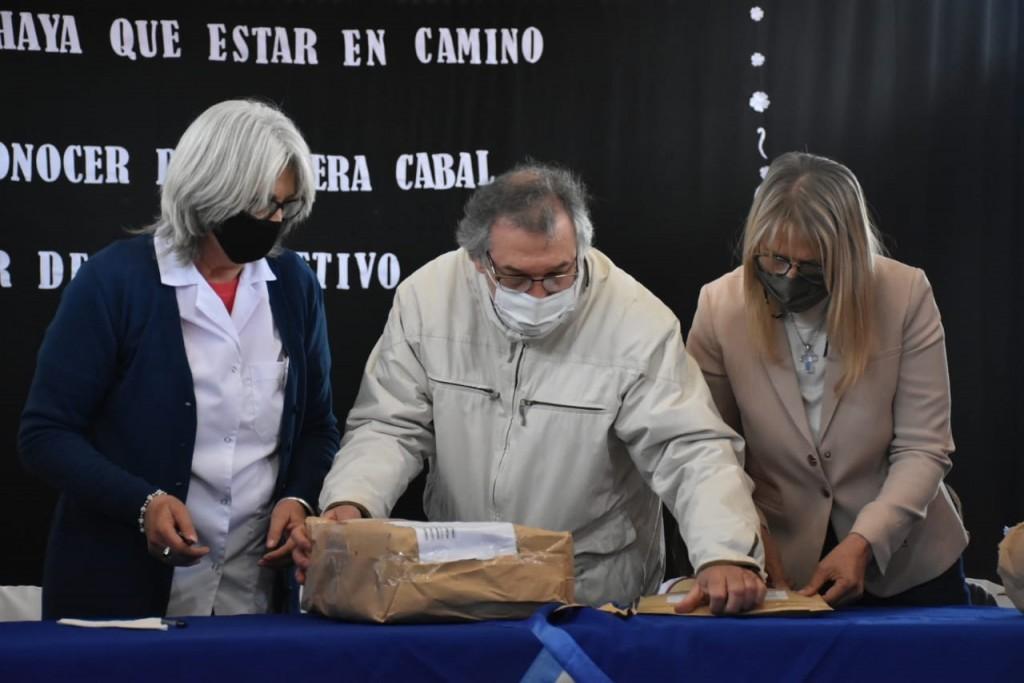 Charata: acto de apertura de sobres para el nuevo edificio de la Escuela de Educación Primaria N°1027