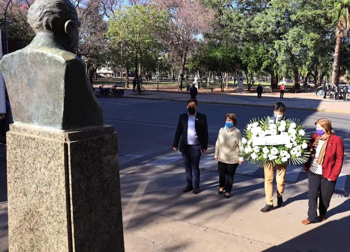 Resistencia: Funcionarios municipales homenajearon a los docentes por su trabajo en pandemia