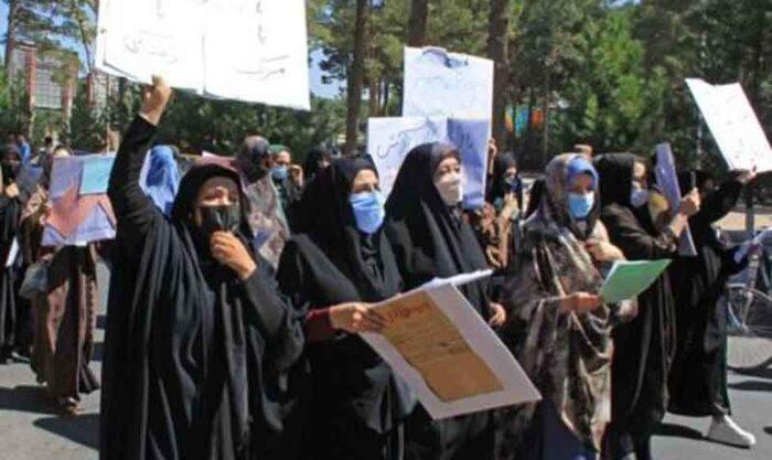 Un grupo de mujeres marchó a favor de los talibanes en Afganistán