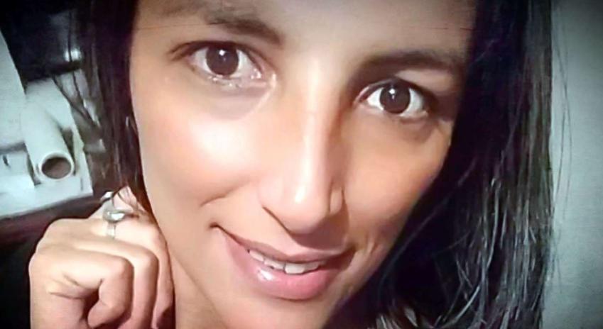 Una mujer fue asesinada por su pareja, que la prendió fuego, su hija fue testigo