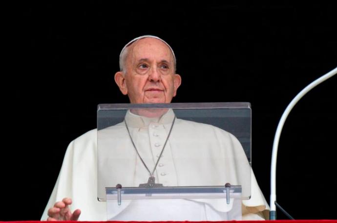 El papa Francisco pidió a universidades y hospitales católicos que rechacen el aborto