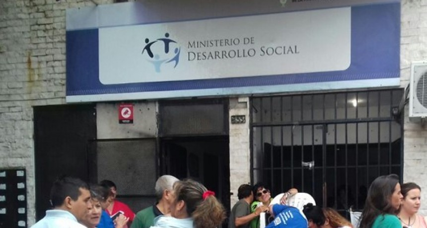 Precarizados de Desarrollo Social reclaman información sobre los resultados del concurso por pases a planta