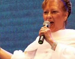 Emotivo homenaje a Ramona Galarza