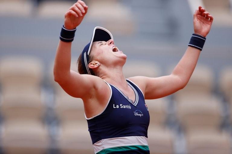 Histórico triunfo de Nadia Podoroska en Roland Garros ante la número 5 del mundo: eliminó a Elina Svitolina y clasificó a las semifinales