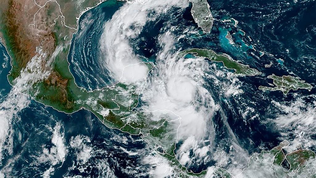 México, en alerta roja por la llegada de Delta, el huracán más peligroso de los últimos 15 años