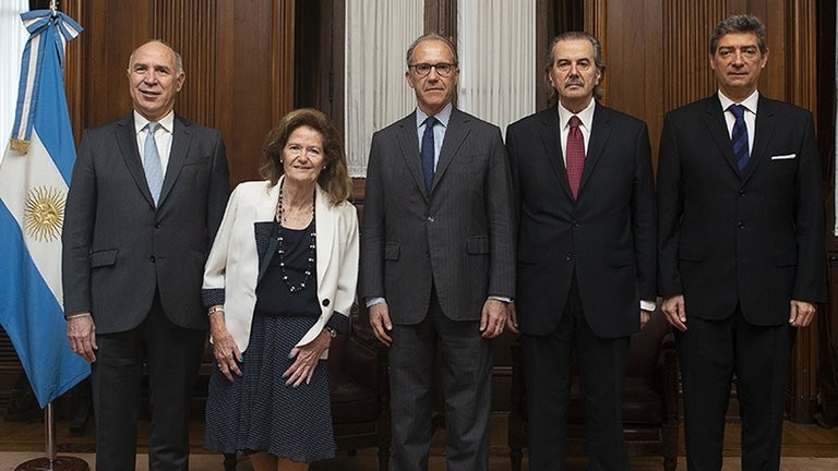 El Gobierno se bajó de una reunión convocada por el presidente de la Corte Suprema