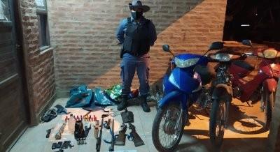 Demoran a cazadores furtivos y les quitan sus armas