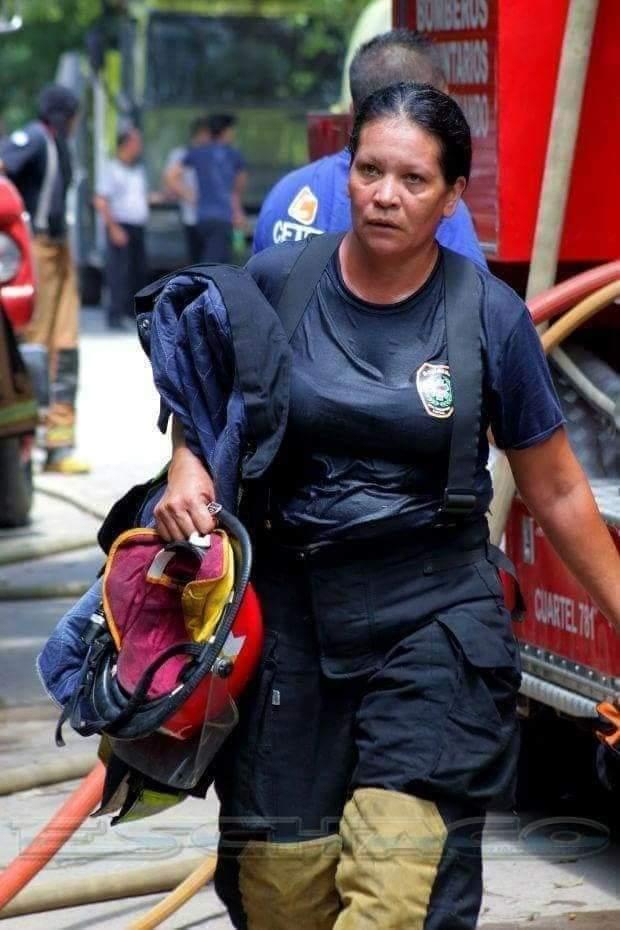 Resistencia: La jefa de los Bomberos Voluntarios, sufrió lesiones combatiendo un incendio.