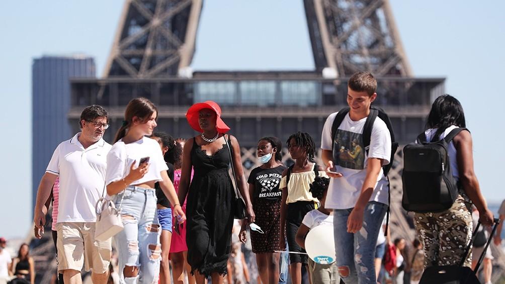 Francia: alerta máxima en ocho ciudades ante el agravamiento de la situación sanitaria