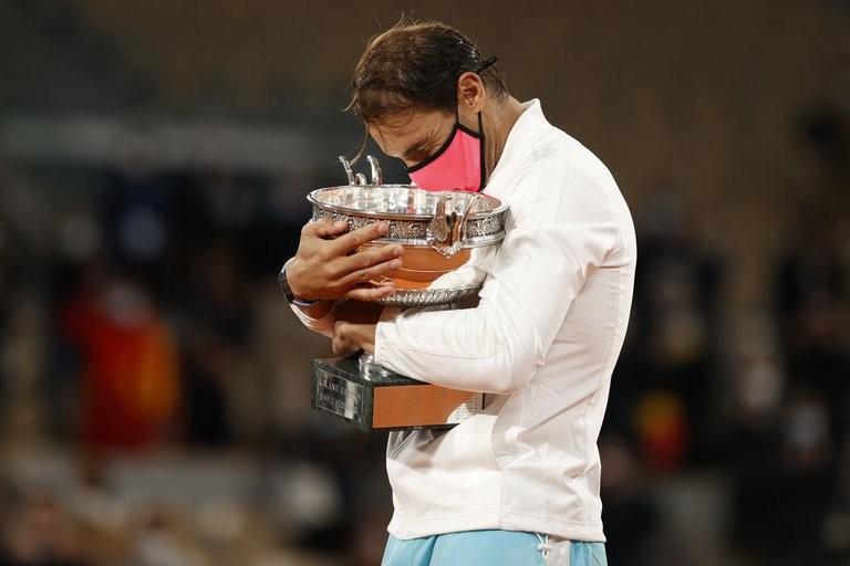 Rafael Nadal sigue haciendo historia: superó en la final a Novak Djokovic y levantó su 13° título en Roland Garros