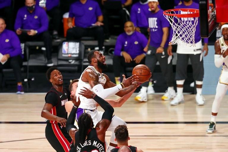 Los Ángeles Lakers vencieron a Miami Heat y se consagraron campeones de la NBA