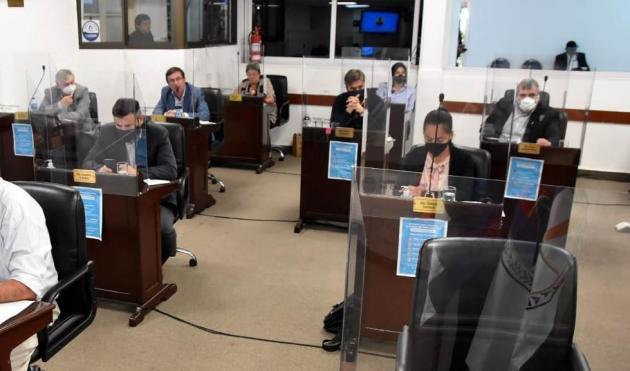 Diputados de la UCR acusaron a intendentes del Frente Chaqueño de
