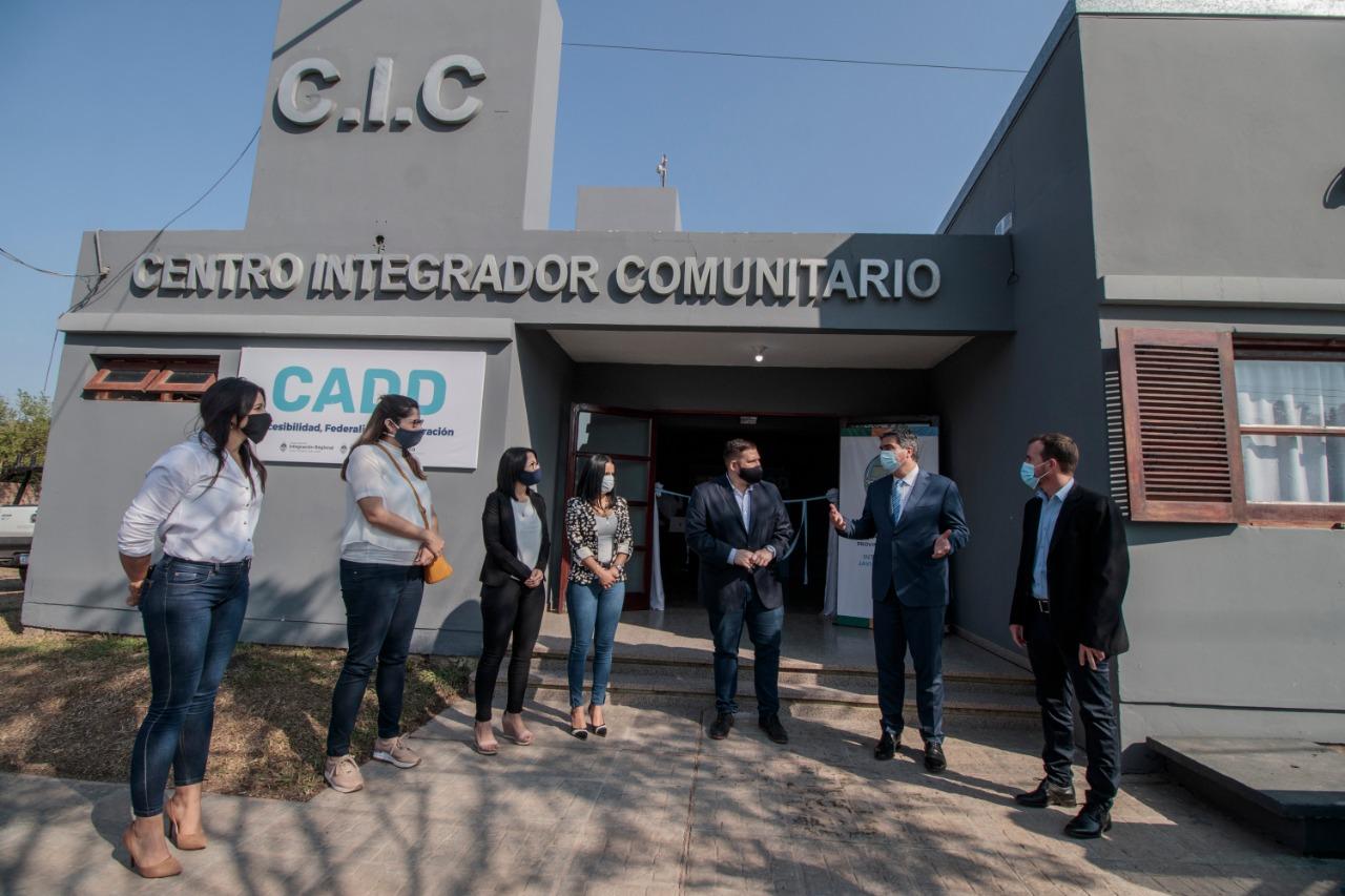 Capitanich destacó la importancia de achicar la brecha digital en la provincia.