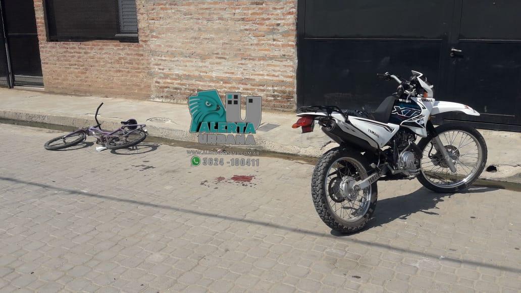 Resistencia: un motociclista atropelló a una menor de 9 años, que andaba en bicicleta.