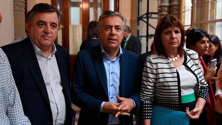 Un millón de contagios de COVID-19: la oposición exigió levantar la cuarentena y alertó sobre hechos de violencia si continúan las restricciones para circular