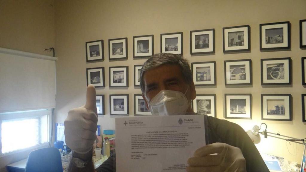 """""""Cuídense, hagan de cuenta que todos estamos infectados"""", el mensaje de Carlos Alabe tras superar el coronavirus"""