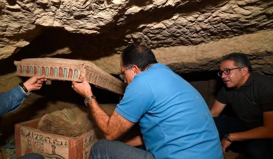 Hallaron otros 80 sarcófagos intactos en Egipto